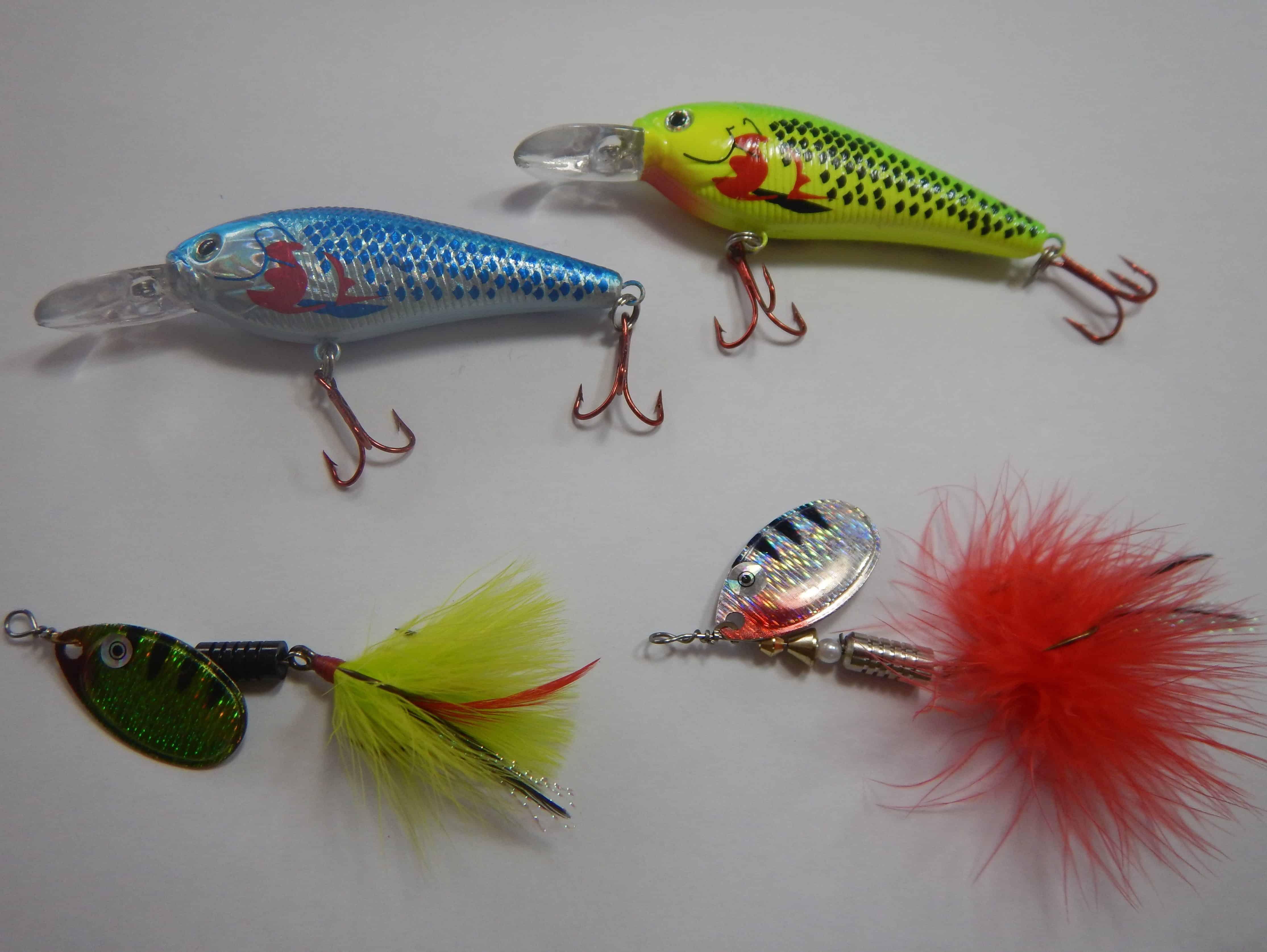 Twist Rotate Spinner Tackle Treble Hook Crankbaits Spoon Metal Fishing Bait